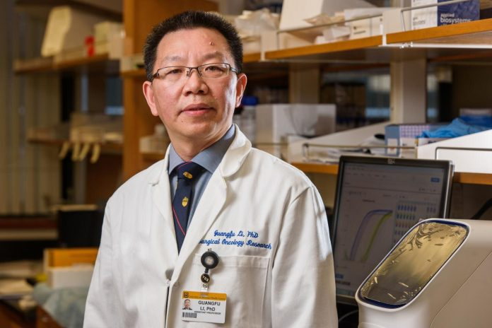 Guangfu Li, PhD, DVM, Department of Surgery and Department of Molecular Microbiology and Immunology at the University of Missouri School of Medicine. Credit: Justin Kelley